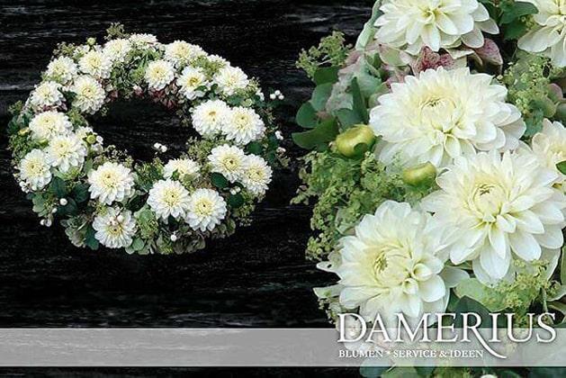 Weiß  Trauer-Kranz von DAMERIUS